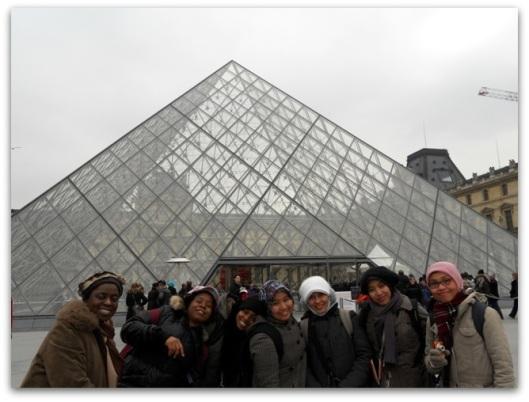 Musee de Louvre, difotoin Dewi
